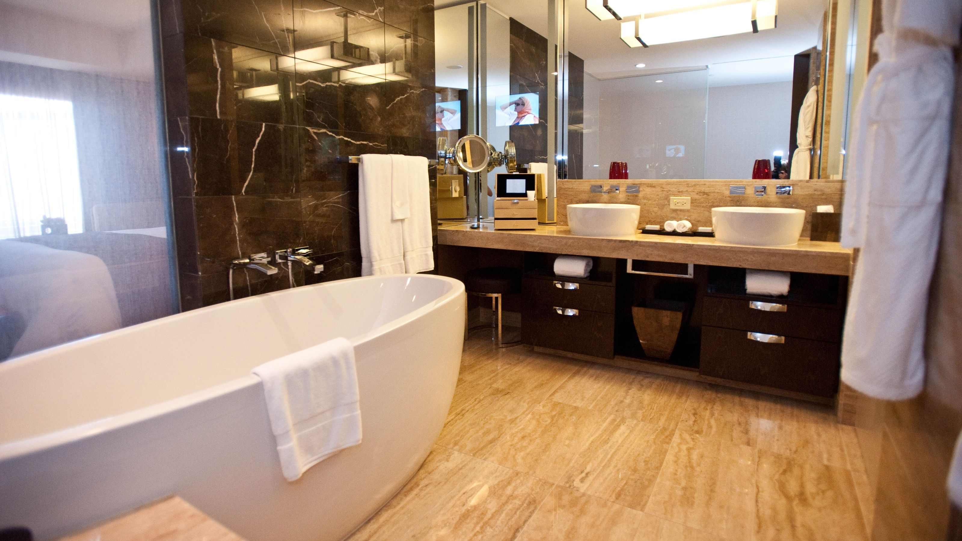 hotel remodeling contractors chicago